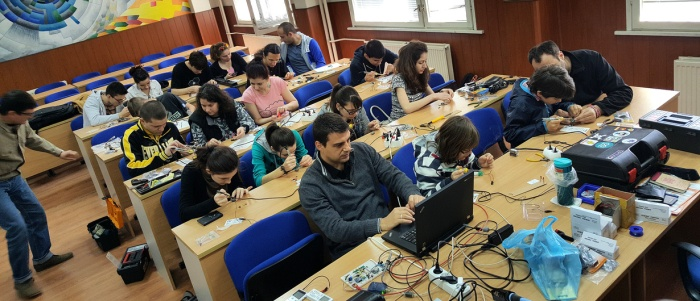 Another two-day workshop about microcontrollers, soldering and Tinusaur